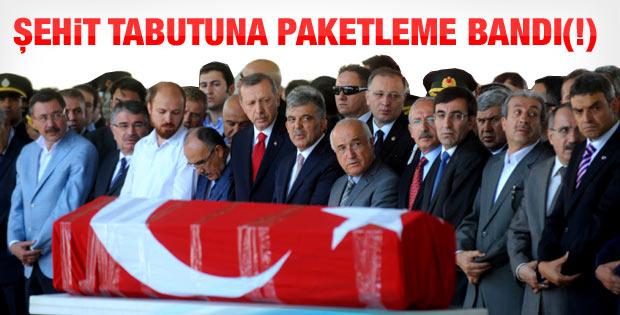 Gaziantep'te şehit tabutuna paket bandı