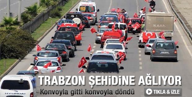 Trabzon şehidini konvoyla karşıladı - Video