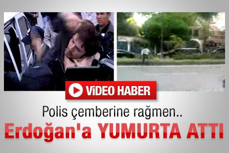 Erdoğan'a yumurtalı protesto - İzle