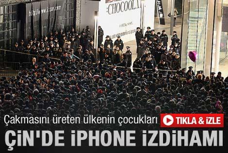 Çinliler iPhone 4S için birbirlerini ezdiler