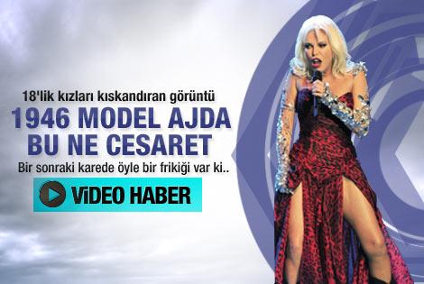 Ajda Pekkan'dan dekolte şov - Video