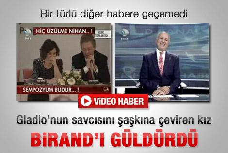 Çaresiz çevirmen Birand'ı güldürdü - Video