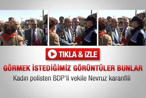 Kadın polisten BDP'li Kaplan'a Nevruz karanfili