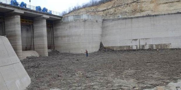 İstanbul'un su kaynağı Kıyıköy Pabuçdere Barajı kurudu