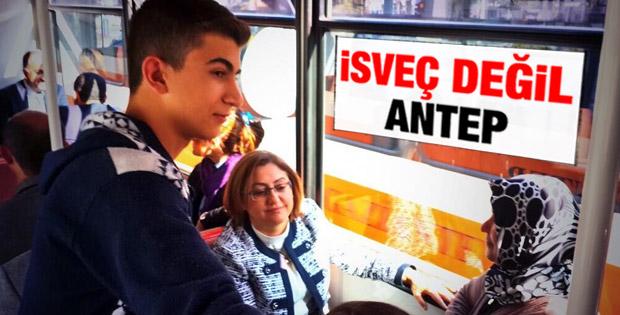 Fatma Şahin tramvayda görüntülendi