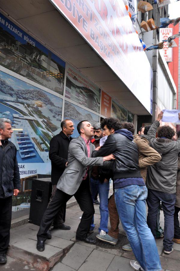 Zonguldak'ta Ak Parti seçim bürosu önünde eylem