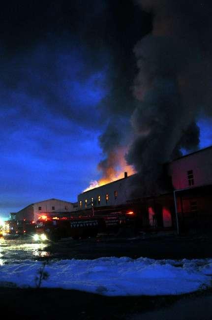 Kayseri'de bir geri dönüşüm fabrikasında yangın