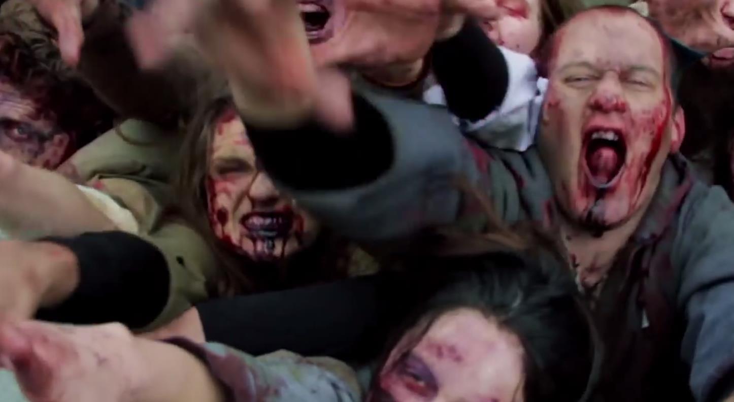 The Walking Dead'in zombileriyle zalim bir şaka - izle