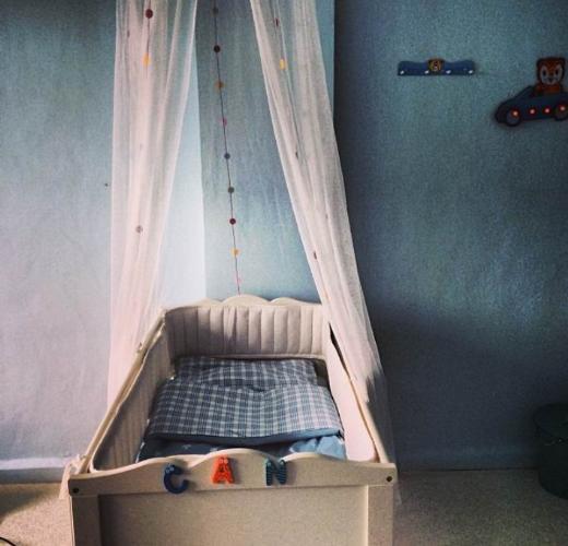 Sedef Avcı oğlu Can için dizi setine bebek odası kurdurdu