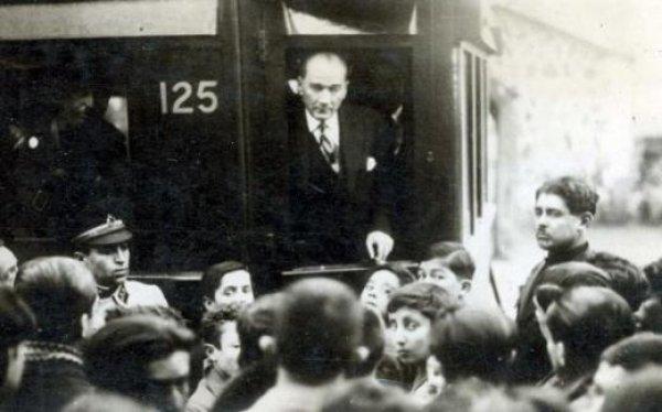 19 Mayıs'ı Atatürk'ün yanındaki isimden dinleyin