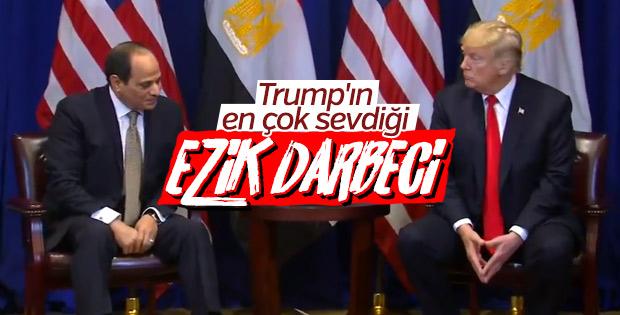 Sisi, Donald Trump karşısında el pençe divan