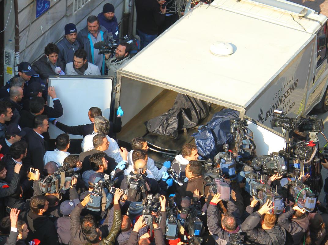 Fatih'te doğalgaz zehirlenmesi: 5 ölü