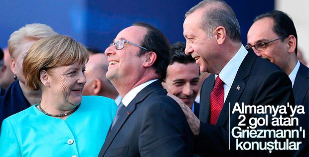 Erdoğan, Merkel ve Hollande'ın futbol sohbeti