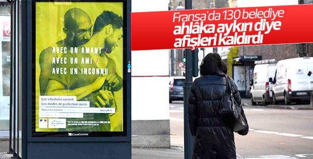 Fransa'da AIDS'e karşı asılan afişler kaldırıldı