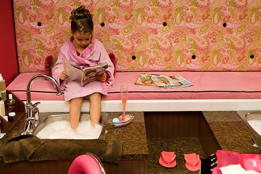 Küçük kız çocuklarına özel SPA merkezi açıldı