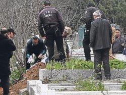 Eczacıbaşı'nın mezarı açıldı