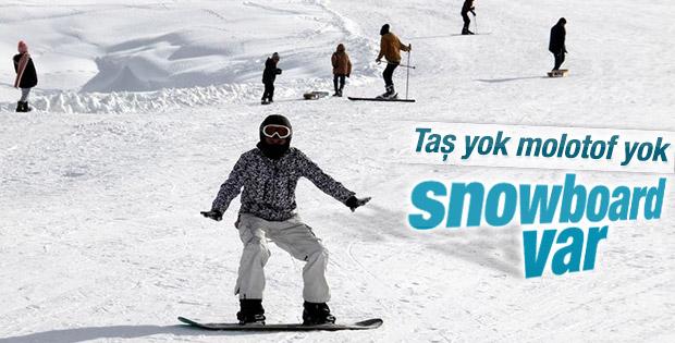 Hakkari dağları snowboardla tanıştı