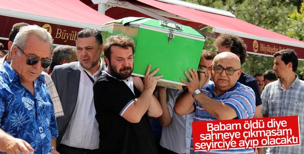 Halil Sezai babasını toprağa verdi