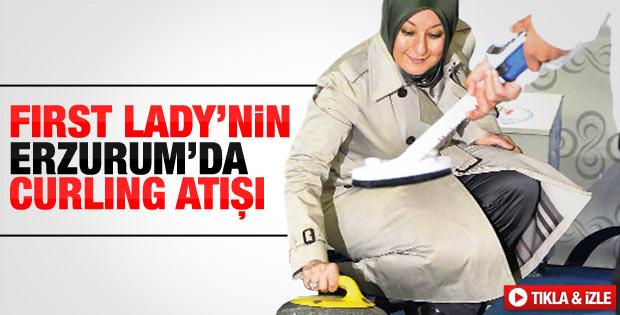 Hayrunnisa Gül Erzurum'da Curling oynadı