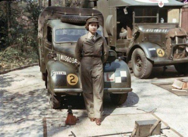 Kraliçe Elizabeth II. Dünya Savaşı'nda kamyon şoförüydü