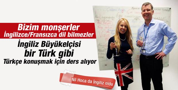 İngiliz Büyükelçisi Moore Türkçesini geliştiriyor