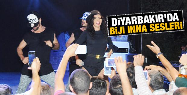İnna Diyarbakır'da sahne aldı