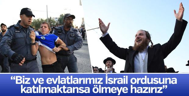 İsrail'de zorunlu askerlik karşıtı Yahudiler yol kesti