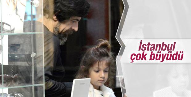 Okan Bayülgen kızı İstanbul'la görüntülendi