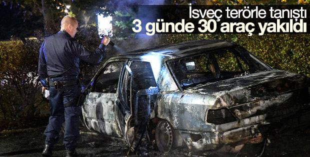 İsveç'te 3 günde 30 araç kundaklandı