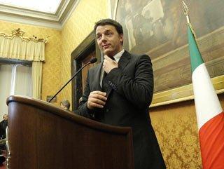 İtalya'da Renzi hükümeti güvenoyu aldı