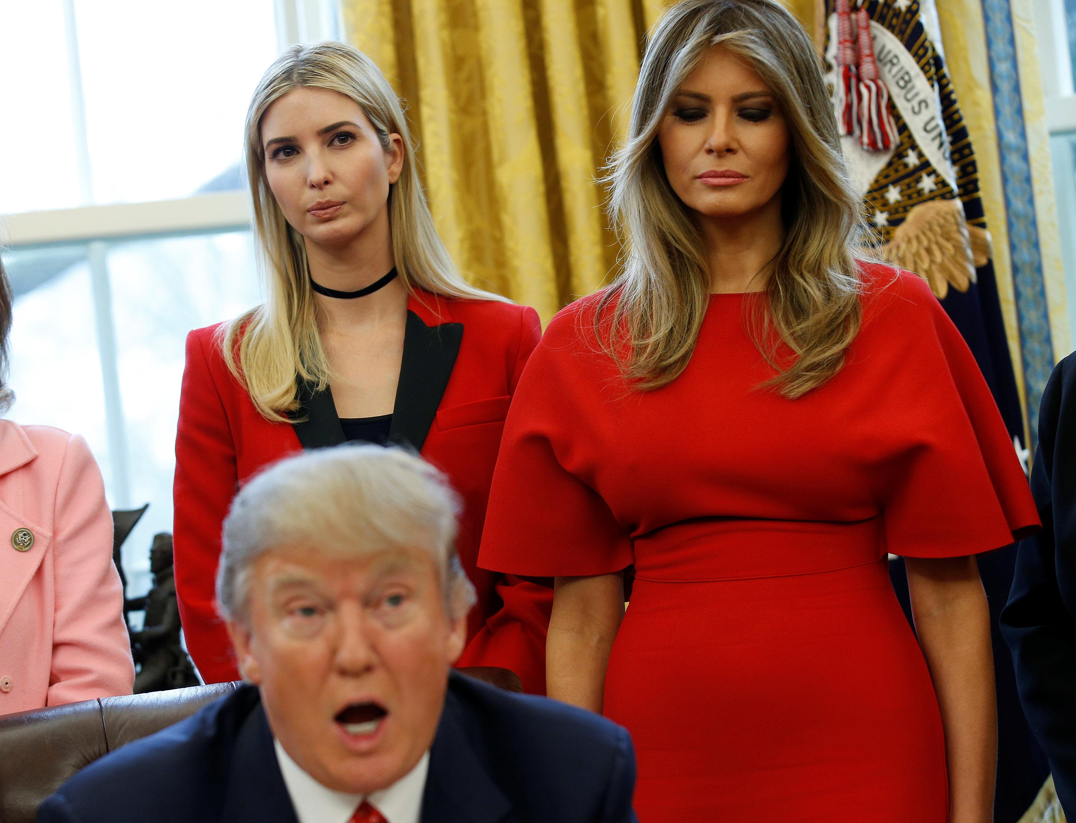 экспериментировать разными мелания и иванка трамп фото любом