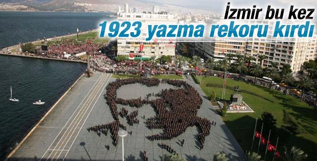 İzmir'de 1923 kişi zeybek oynadı