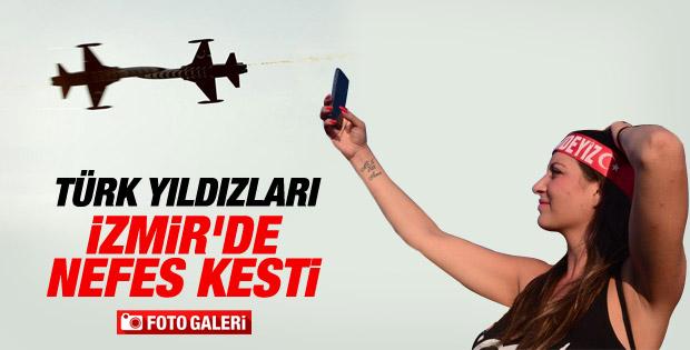 Türk Yıldızları'ndan İzmir'de müthiş gösteri İZLE