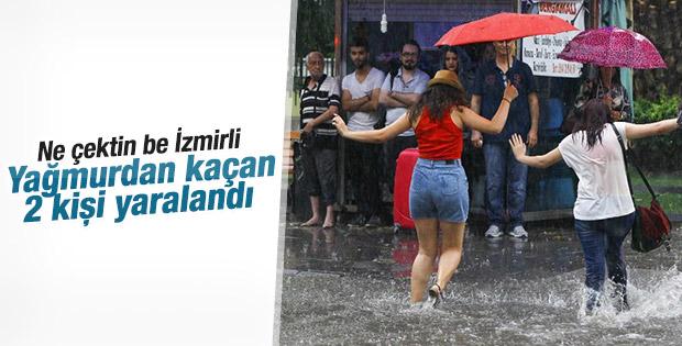 İzmir'de korkutan sağanak yağış