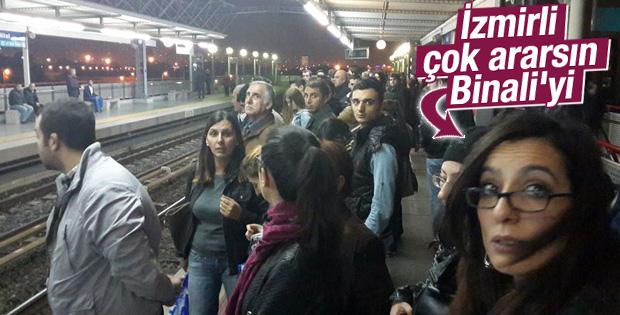 İzmir'de metro bozulunca yolcular çileden çıktı