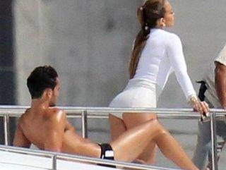Jennifer Lopez 2 bin liralık şort giydi