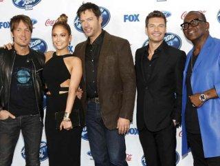 Jennifer Lopez American Idol'ın gecesinde