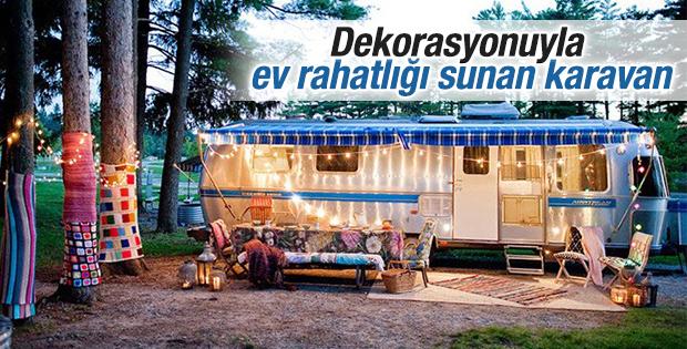 Dekorasyonuyla ev rahatlığı sunan karavan