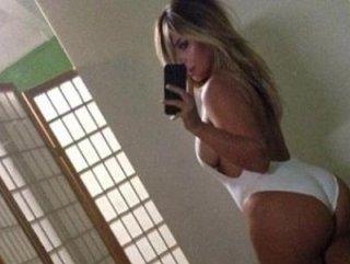 Kardashian kalçasına yağ enjekte ettirdi