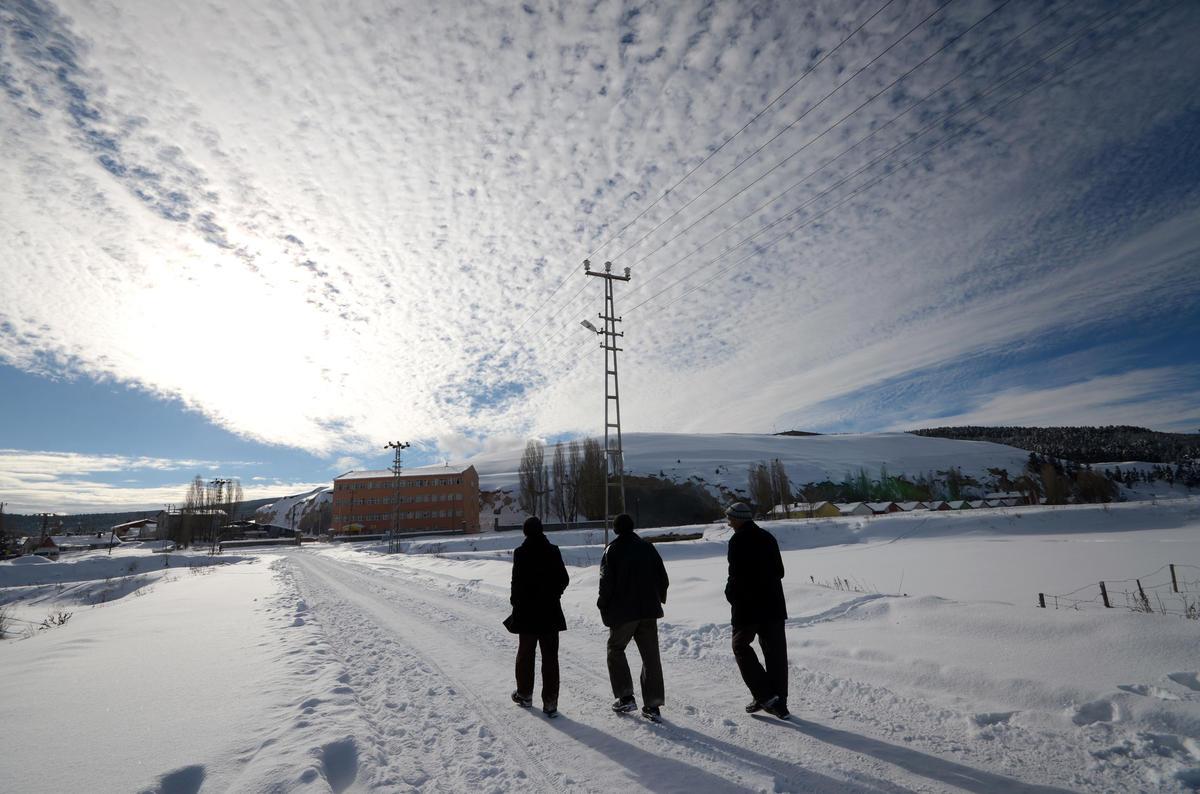 Kars sıfırın altında 35 dereceyi gördü