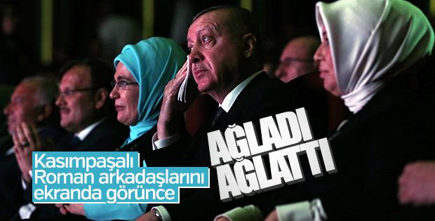 Cumhurbaşkanı, Roman Buluşması'nda gözyaşlarını tutamadı