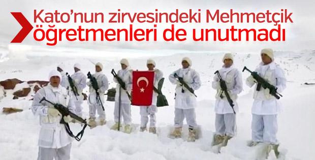 Kato Dağı'ndaki Mehmetçiklerden Öğretmenler Günü mesajı