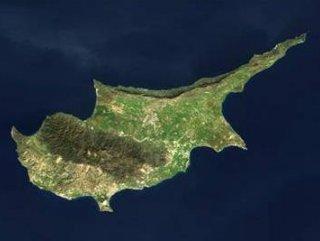 Kıbrıs müzakereleri Rum kesimini tehlikeye attı