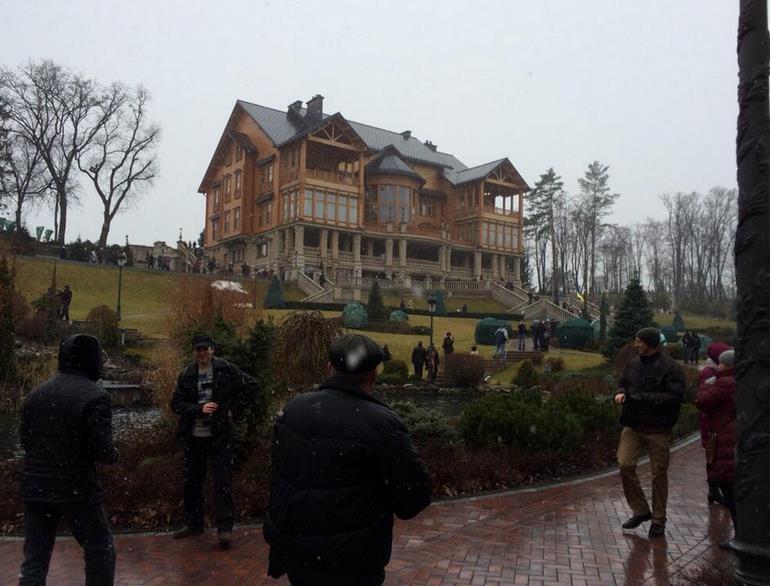 Ukrayna Devlet Başkanı Yanukoviç'in villasına el konuldu