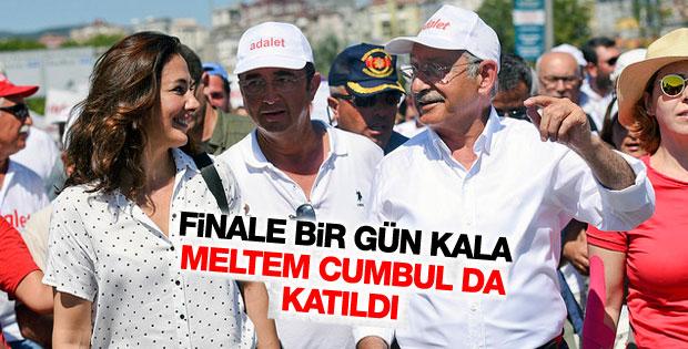Kılıçdaroğlu'nun adalet yürüşüne Meltem Cumbul'dan destek