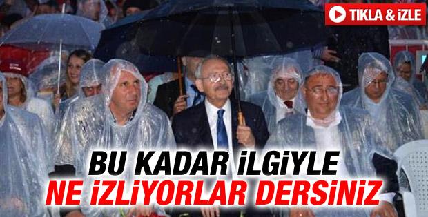 Kılıçdaroğlu sağanak yağmur altında Volkan Konak'ı izledi