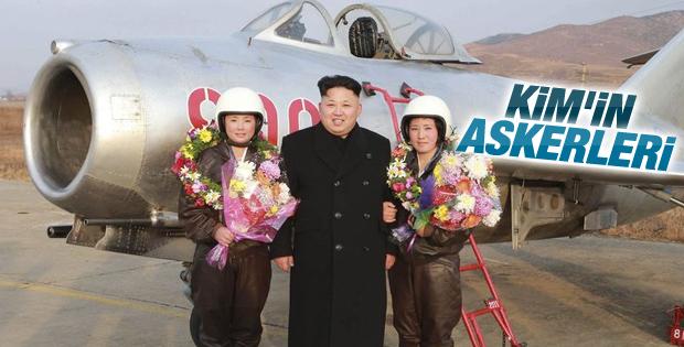 Kim Jong-un'dan kadın pilotlarla hatıra fotoğrafı