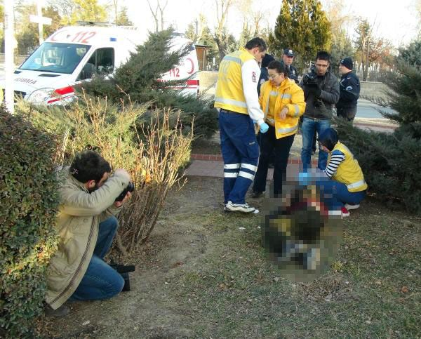 Konya'da bir kişi uyuduğu çimlerin üzerinde donarak öldü