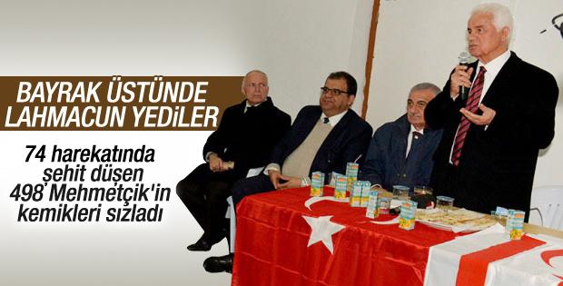 KKTC'de Türk bayrağı sofra bezi gibi kullanıldı