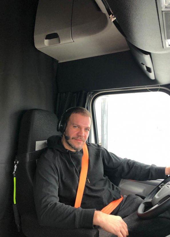 Tolga Karel: Tır şoförü olmak çocukluk hayalimdi